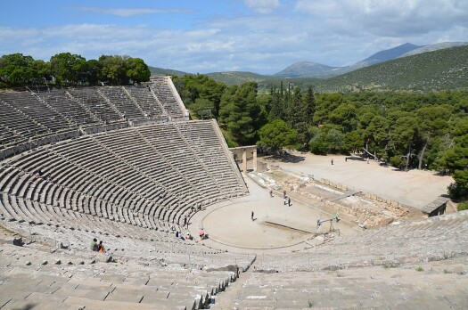 1200px-The_great_theater_of_Epidaurus,_designed_by_Polykleitos_the_Younger_in_the_4th_century_BC,_Sanctuary_of_Asklepeios_at_Epidaurus,_Greece_(14015010416)